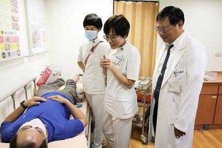 長照患者家屬莫擔憂,可諮詢「傷口造口照護門診」