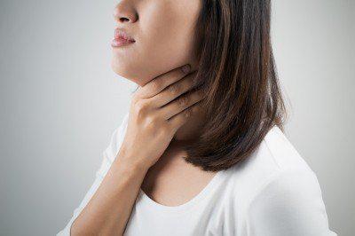 發燒、喉嚨痛可能是「藥物過敏」,留意6徵兆!