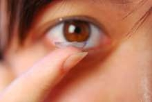 """跨年倒數狂歡 元旦假期旅遊 隱形眼鏡族眼睛健康""""拉警報"""""""