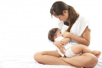 母乳寶寶 健康平安快樂行!