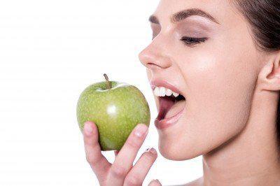 假牙材質莫輕忽,選用不當恐引發過敏