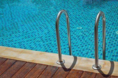 夏天游泳旺季,注意8大衛生禁忌