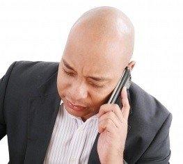 長期甲狀腺亢進或低下,恐致落髮、禿頭