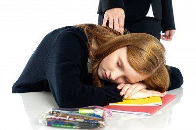 少女一天可睡20小時!原來是月經造成多睡症