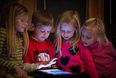 電子螢幕讓小孩易怒、憂鬱、懶洋洋