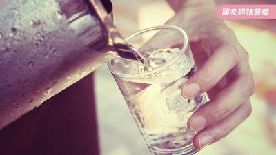 【道聽不塗說】喝鹼性電解水可適度改變酸性體質嗎?