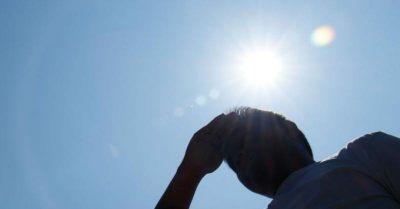 大熱天曬到皮膚癢,如何預防日光性皮膚炎與熱傷害?