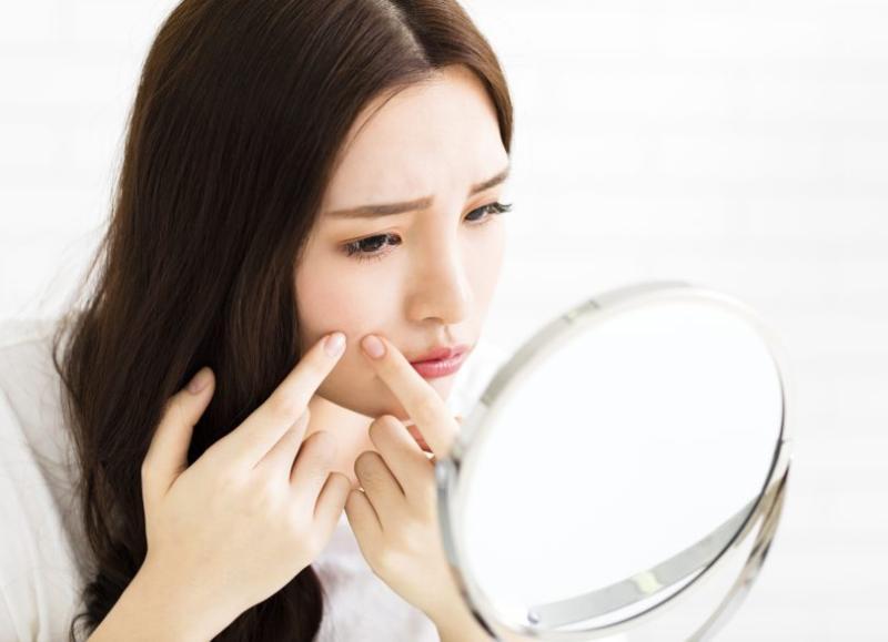 抹牙膏、貼撒隆巴斯可以消痘痘嗎?