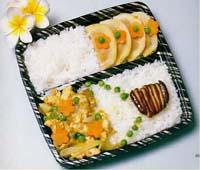 咖哩雞盒餐