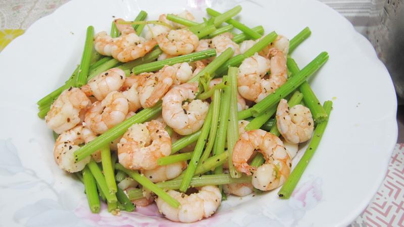 減脂食譜:芹菜炒蝦仁
