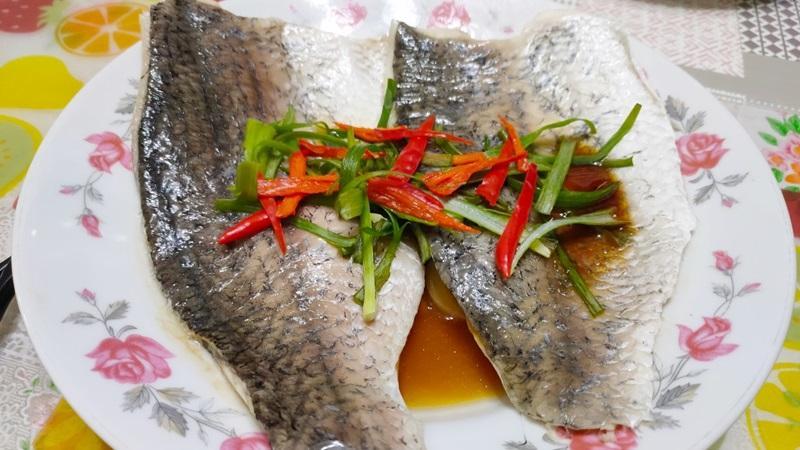 減脂食譜:蒜蒸鱸魚排(二人份)