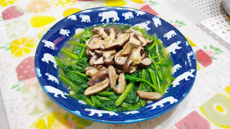 減脂食譜:鮮香菇炒菠菜